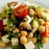Нутовый салат с сыром, огурцами, помидорами и кудрявой петрушкой (БЛ)