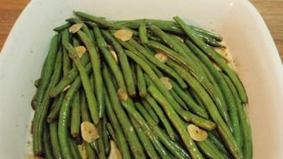 Зеленая фасоль в чесночном соусе