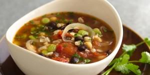 фасолевый суп из консервированной фасоли, нута и перловки
