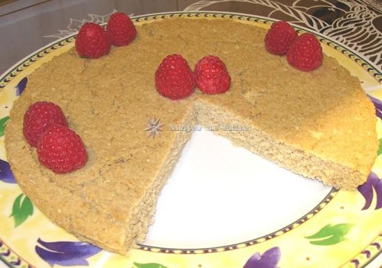 Легкий торт из овсяных отрубей и яблок